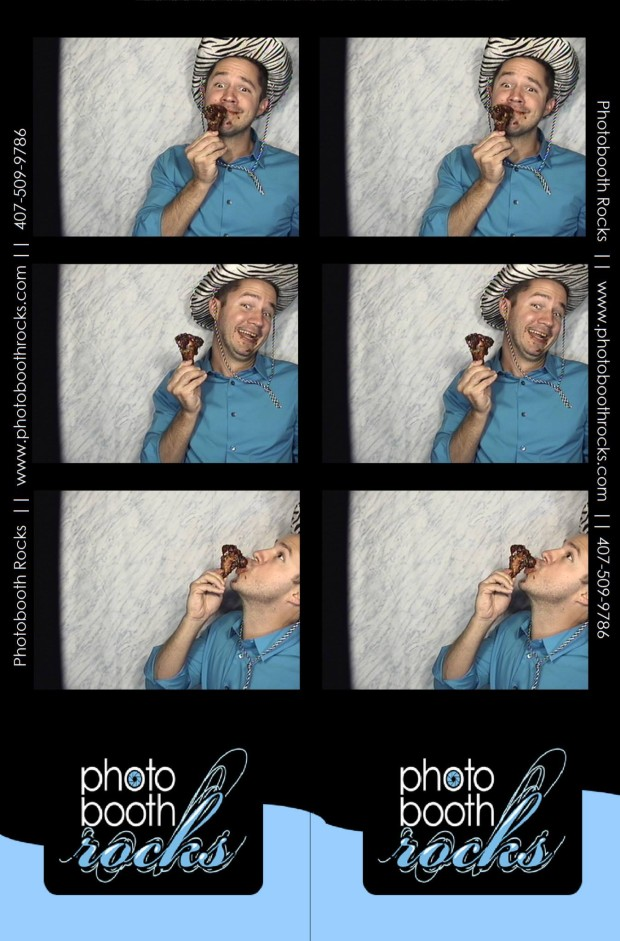 PhotoBooth Rocks - Jeff and a chicken wing